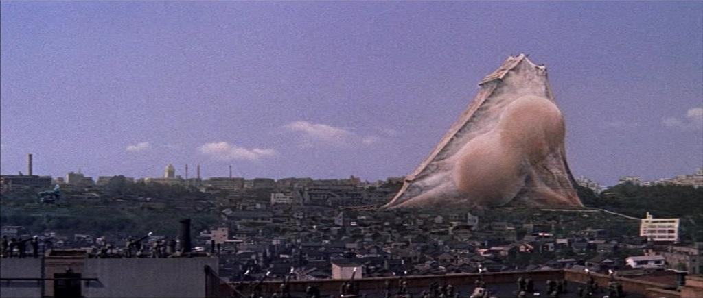 Mothra bedroht die Welt