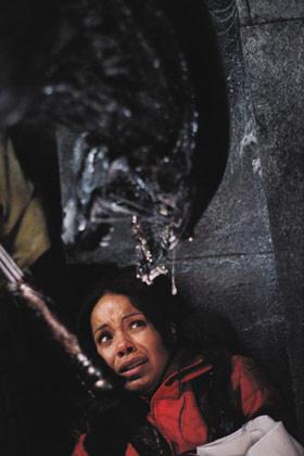 Alien vs Predator mit Aliens und Sanaa Lathan