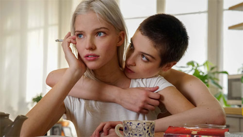 Anna mit Sasha Luss und Lera Abova