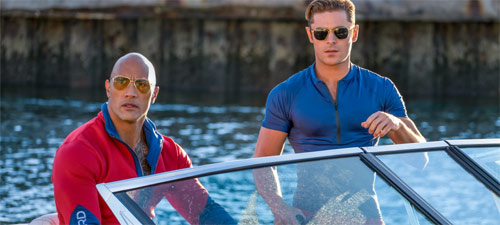 Baywatch Zac Efron und Dwayne Johnson in Rettungsboot