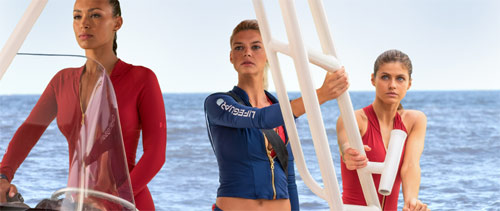 Baywatch Alexandra Daddario, Kelly Rohrbach und Ilfenesh Hadera im Rettungsboot