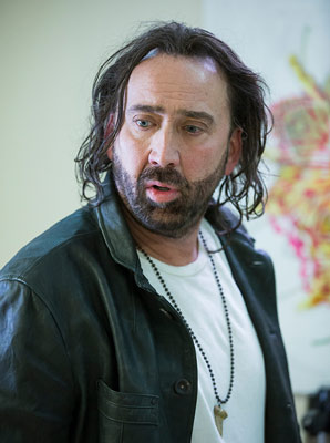 Between Worlds mit Nicolas Cage