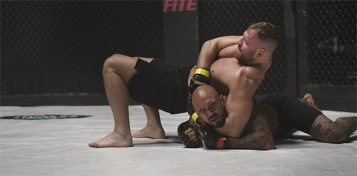 Cagefighter: Worlds Collide mit John Moxley