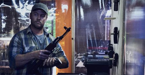 Luke Hemsworth im Thriller mit Kurt Russell und Beau Knapp