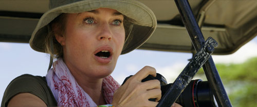 Rebecca Romijn im Survival Thriller von M.J. Bassett