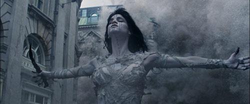 Sofia Boutella als Mumie