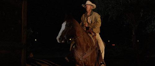 Eminence Hill mit Lance Henriksen auf einem Pferd