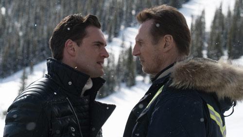 Hard Powder mit Liam Neeson und Tom Bateman