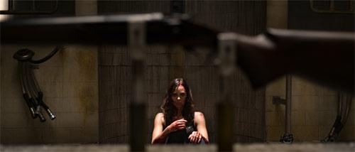 Jigsaw mit Laura Vandervoort