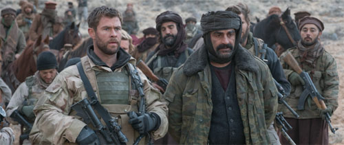 Operation: 12 Strong mit Chris Hemsworth