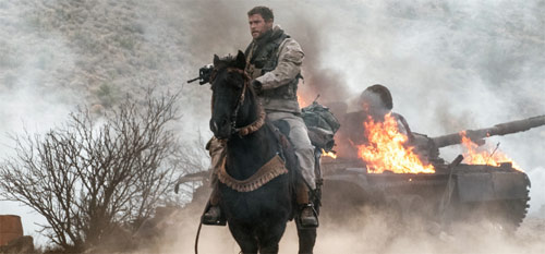 Operation: 12 Strong mit Chris Hemsworth hoch zu Ross