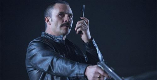 Peppermint mit Juan Pablo Raba als Bösewicht