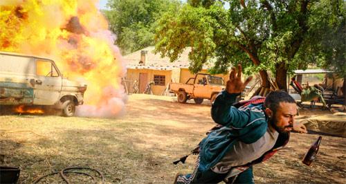Rogue Hunter mit Megan Fox Explosion