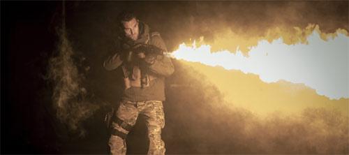 Flammenwerferaction in der Bestsellerverfilmung nach Andy McNab