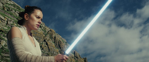 Star Wars: Die letzten Jedi Rey mit Lichtschwert
