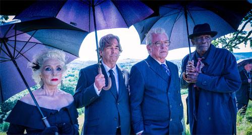 Alternde Helden bei Beerdigung Tom Berenger, Beau Bridges Lou Gossett Jr.