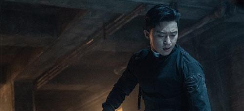 Yong-hu teilt gegen Dämonen aus