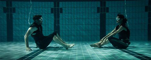Titan Sam Worthington unter Wasser