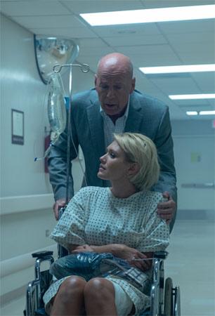 Trauma Center mit Nicky Whelan und Bruce Willis