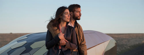 Upgrade mit Logan Marshall-Green und Melanie Vallejo